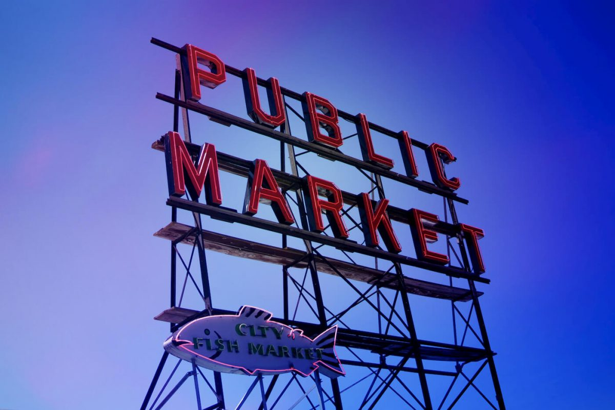 Public market Seatle sign
